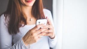 mums-on-smartphones